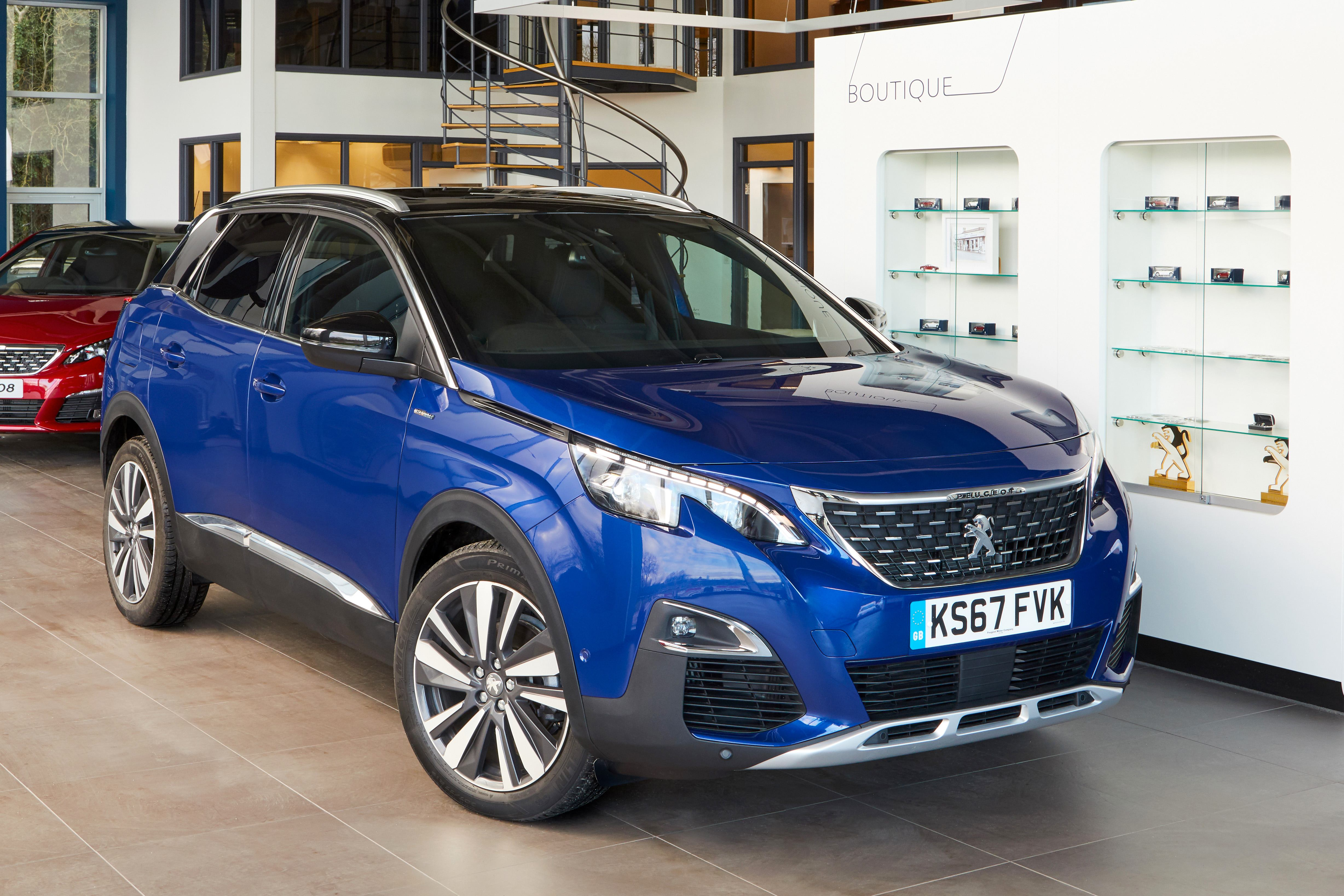 Large -14205-Peugeot Makes Luxury Affordable On 3008And All -New 5008Suvs (1)