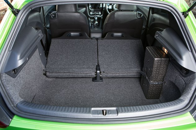 VW Scirocco Load Area Seats Down (2)