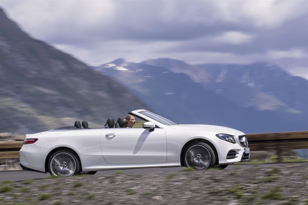 MB E Cabrio 2017 Top Down Side Speed