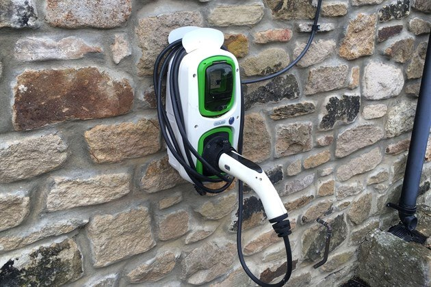 Electric Car Charger Rose & Crown