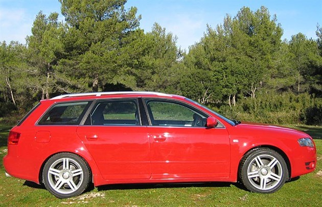 Audi A4 B7 Side Red 700