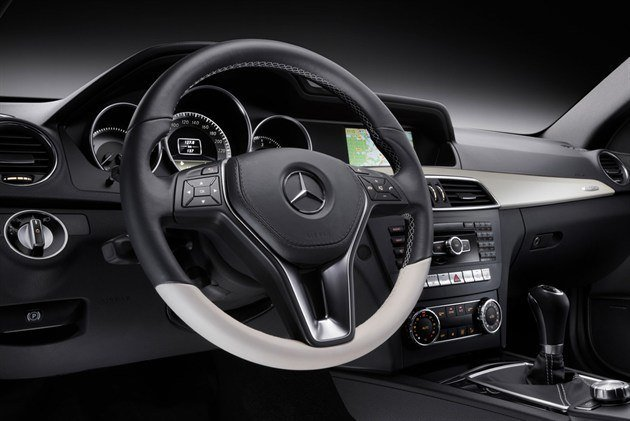Mercedes-Benz C-Class Coupe (5)