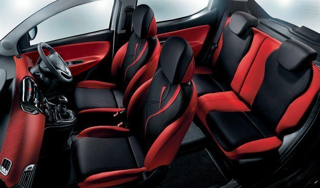 Chrysler Ypsilon Black &Red Interior