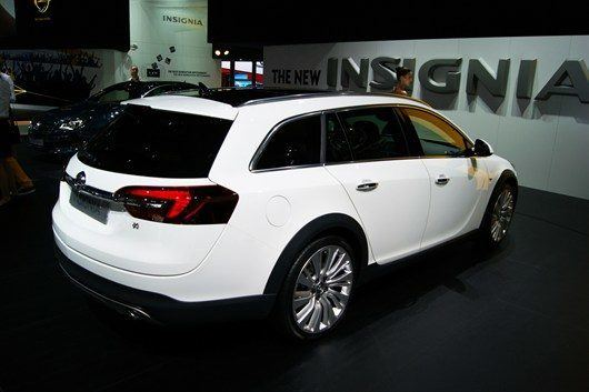 Opel _Vauxhall _Insignia _Country _Tourer1