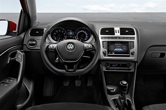 Volkswagen Polo Facelift 2014 (3)