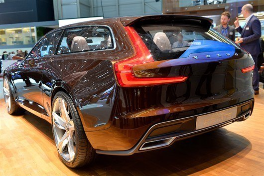 Volvo Concept Estate (1)