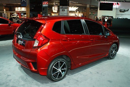 Honda _european _jazz _prototype -18702_530x 353
