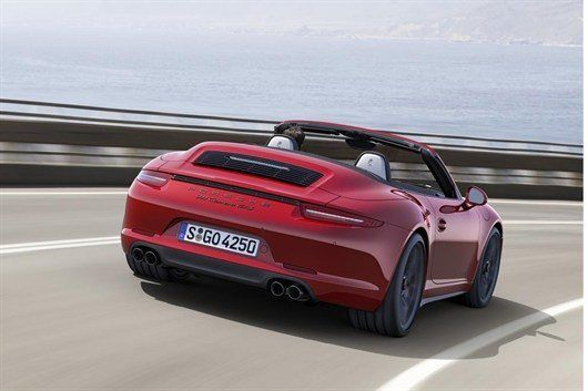 911926_Embargo _00_01_8_October _2014_Porsche _911_Carrera _GTS_Cabriolet _rear _three _quarter