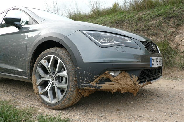 SEAT Leon XPERIENCE Muddy Front