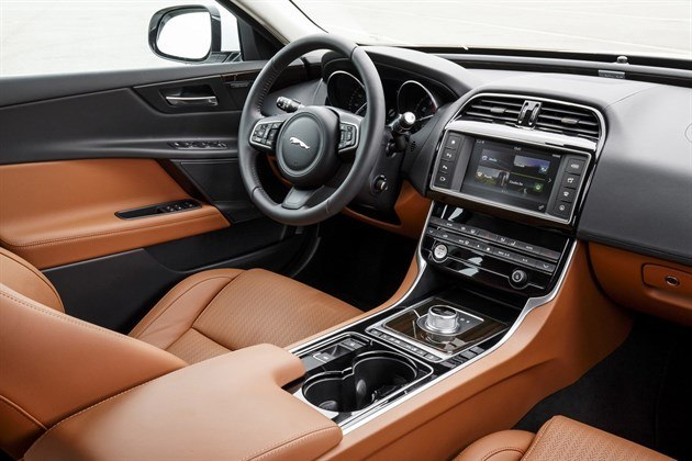 Jaguar XE Auto Brown Leather Cockpit