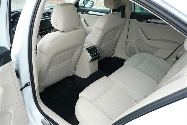 Skoda Superb 2015 Rear Seat
