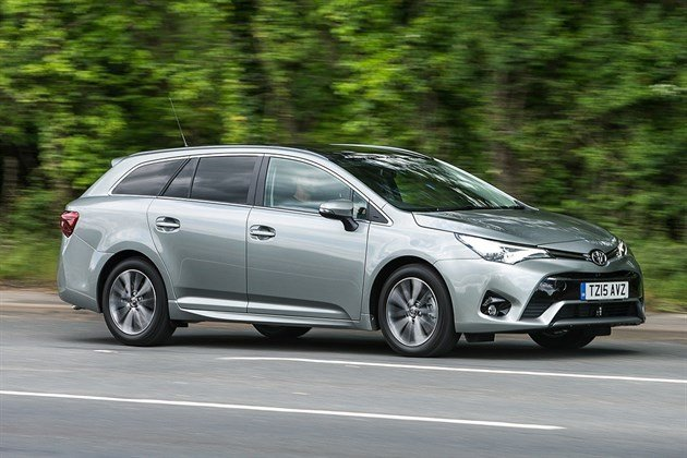 Toyota Avensis Touring Sports 2.0 D-4D (8)