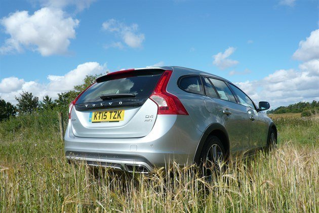 Volvo V60 Cross Country R34 Field