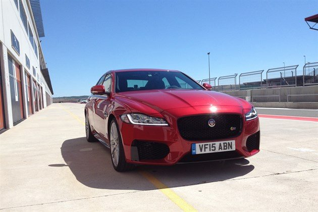 Jaguar XF 2015 Circuito F34 Red