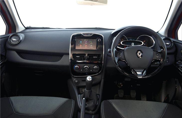 Renault clio iv 2013 car review honest john for Interieur clio 4