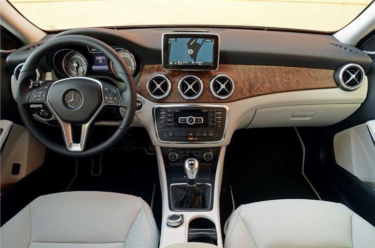 Mercedes benz gla 2014 car review honest john for Mercedes benz gla class interior