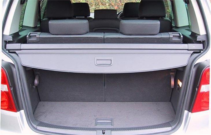 volkswagen touran dsg 2004 road test road tests honest john. Black Bedroom Furniture Sets. Home Design Ideas