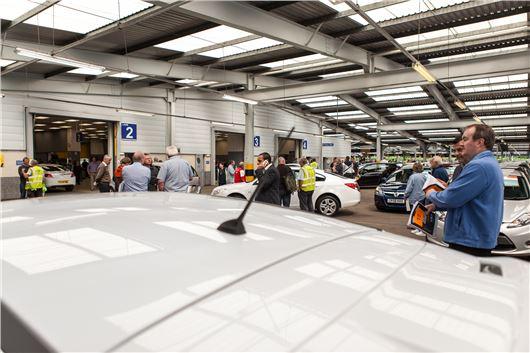 Manheim Car Auction: Manheim Separates Makes In 800 Car Auction