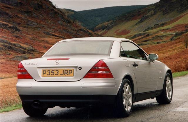 mercedes benz slk r170 1996 car review honest john. Black Bedroom Furniture Sets. Home Design Ideas