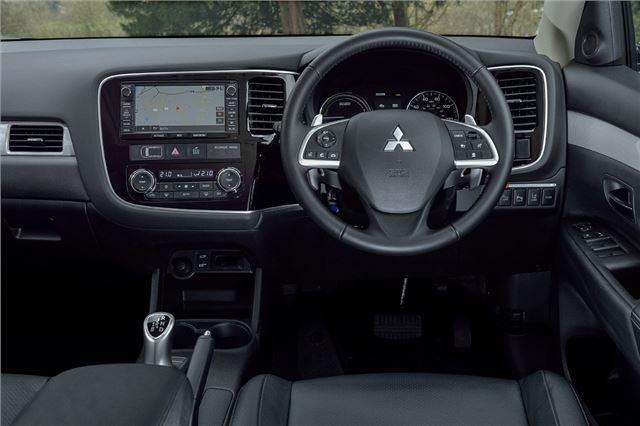 Mazda cx 5 2012 car review honest john - Mitsubishi Outlander Phev 2014 Car Review Honest John