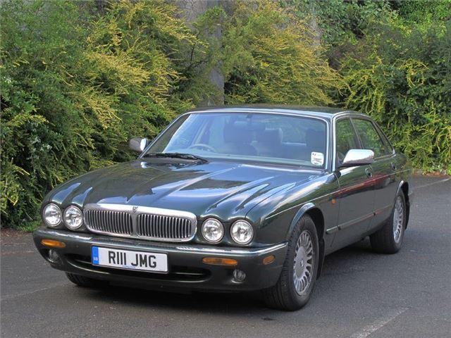 jaguar xj8 and xjr8 1997 car review honest john. Black Bedroom Furniture Sets. Home Design Ideas