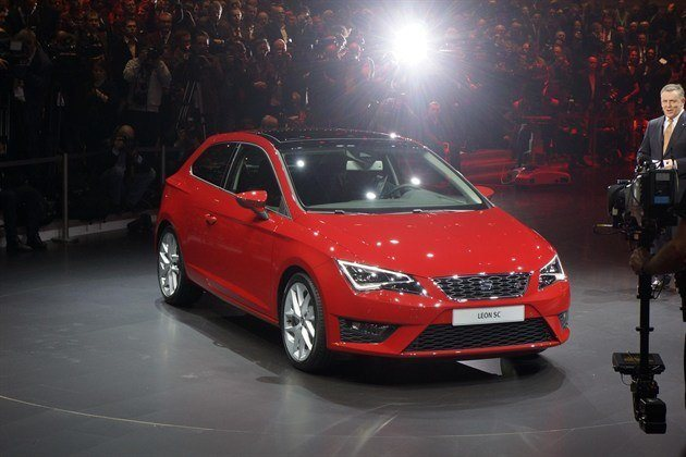 Three door seat leon sc on the way motoring news for Garage seat geneve
